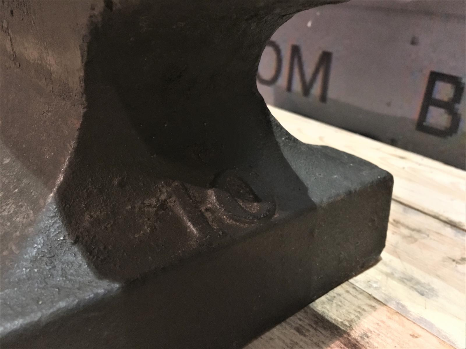 SOUTHERN CRESCENT anvil 100 lbs | Blacksmithworld